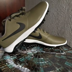 Nike olive green leather golf shoes size 10.5 NWOT